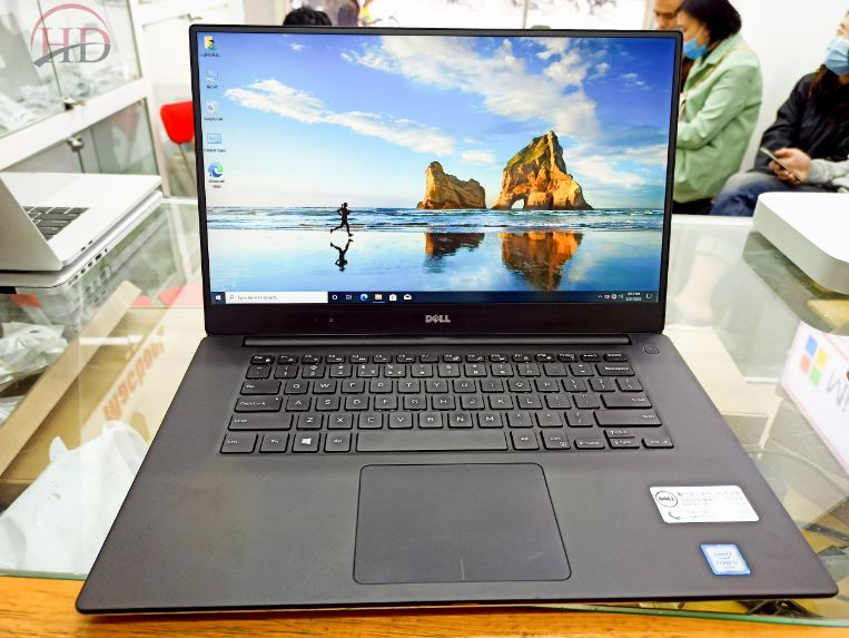Laptop Dell XPS 9550